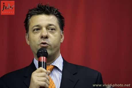 Daniel De Angelis en plein discours.
